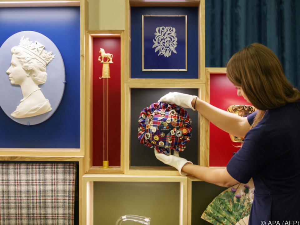 Königliche Geschenke im Buckingham Palast zu sehen