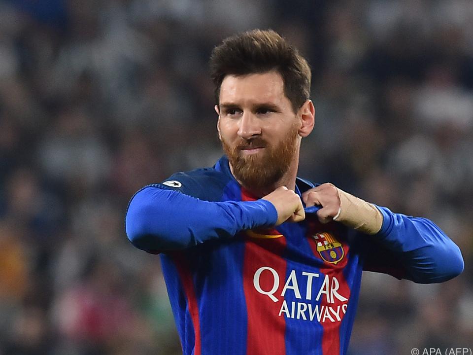 Lionel Messi behält das Barcelona-Trikot noch länger an