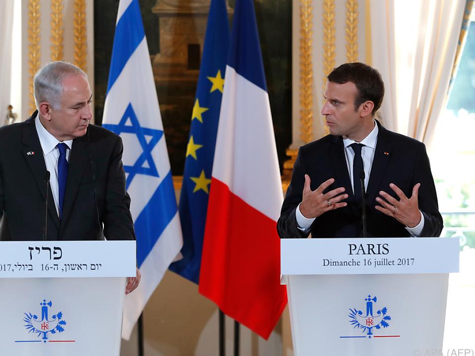 Macron und Netanyahu bei einem Gespräch im Elyseepalast