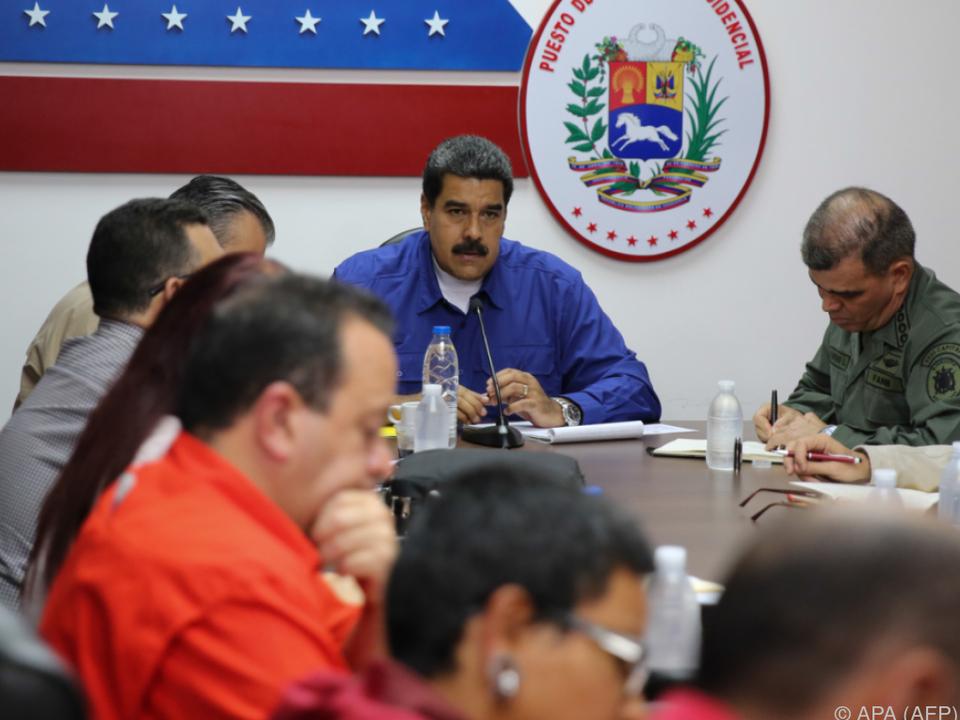 Maduro bei einem Meeting mit Ministern