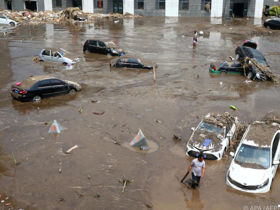 Mehr als 110.000 Menschen flüchteten vor den Wassermassen