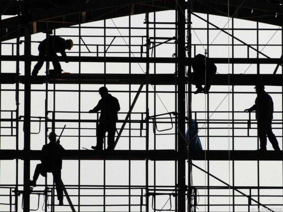 Mehr als hundert Personen waren Mitarbeiter einer Wiener Scheinfirma