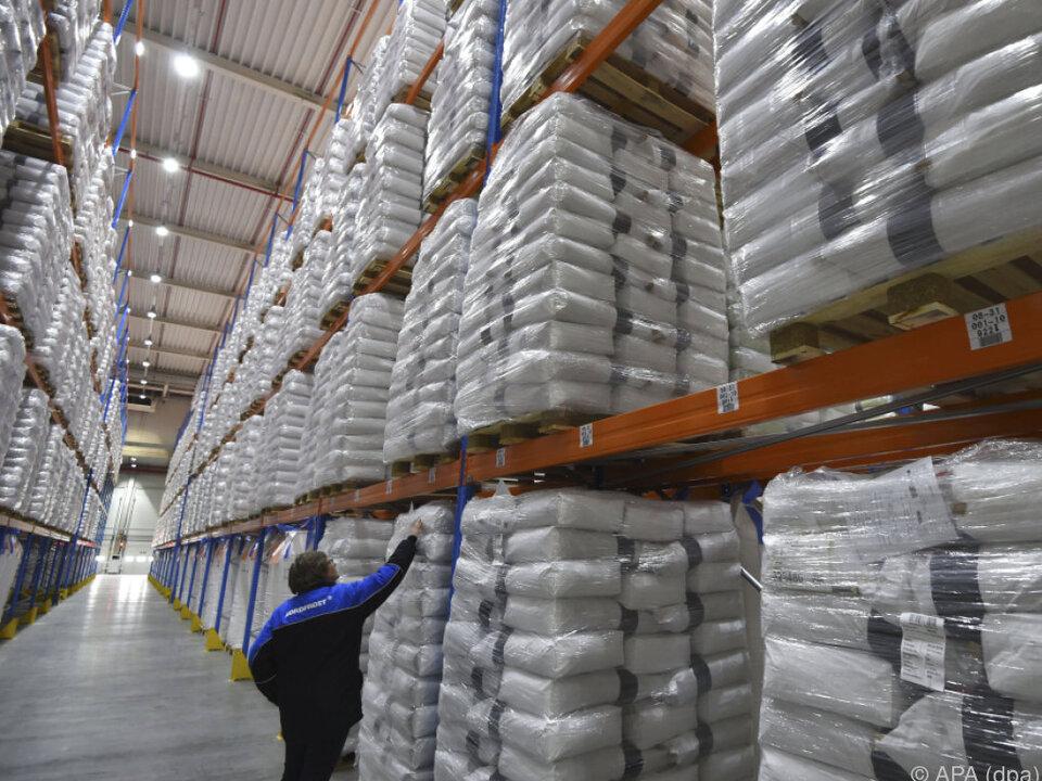 Milchpulver-Lager prall gefüllt: Lagerhalle in Wilhelmshaven