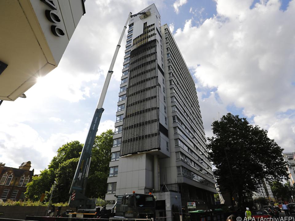 Mindestens 80 Menschen starben im Grenfell Tower