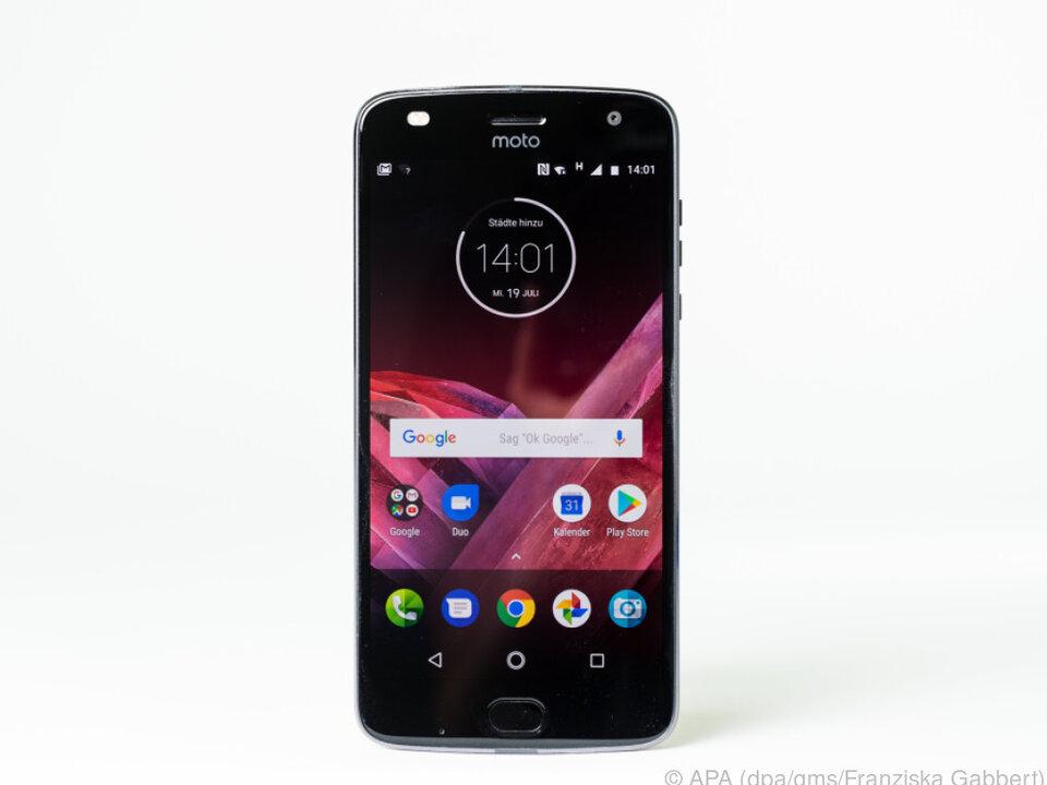 Motorolas Z2 Play kommt mit reinem Android 7 und kostet rund 500 Euro
