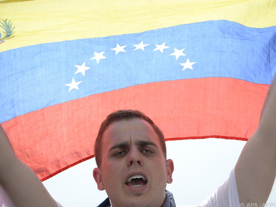 Opposition macht Maduro für Wirtschaftskrise verantwortlich
