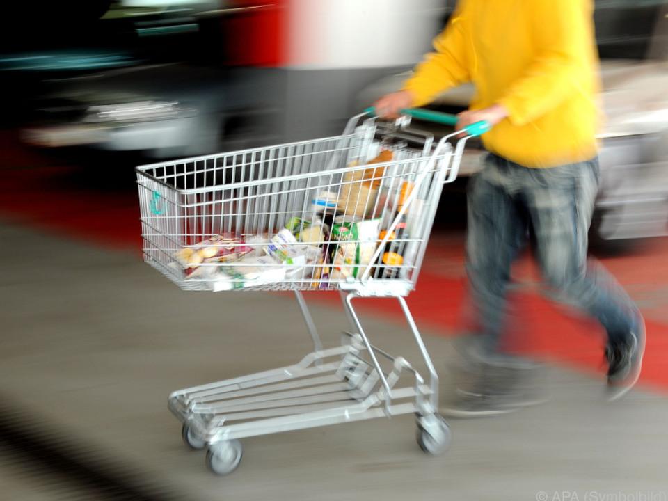 Positives Umfeld steigert die Einkaufslust