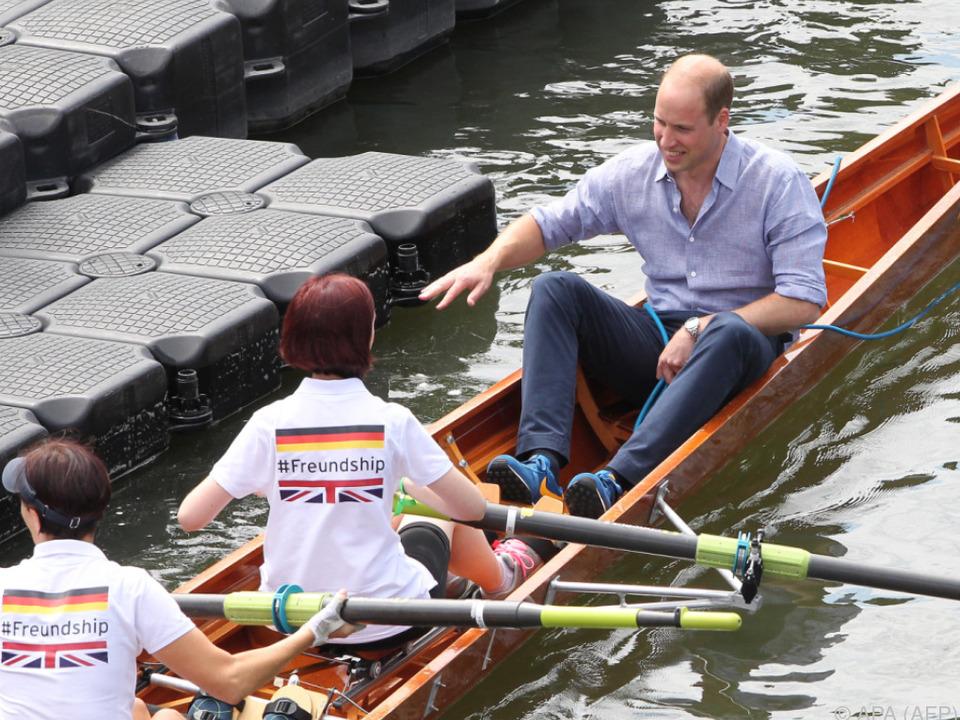 Prinz William gibt das Kommando