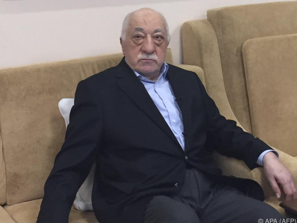 Regierung hält Gülen für den Drahtzieher des Putschversuchs