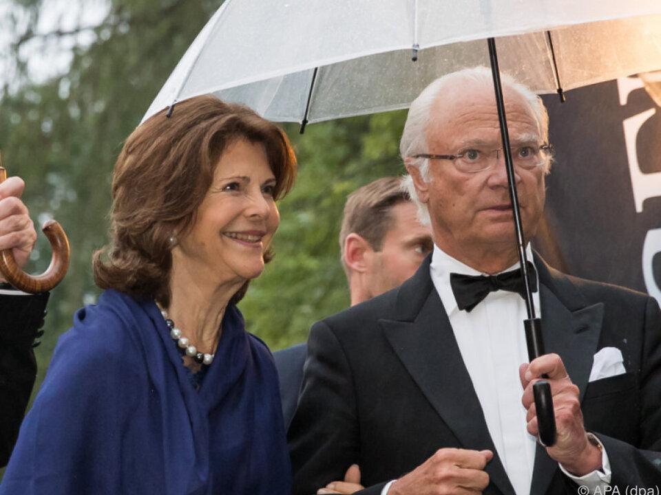 Schwedens Königspaar war bei der Eröffnung umjubelt