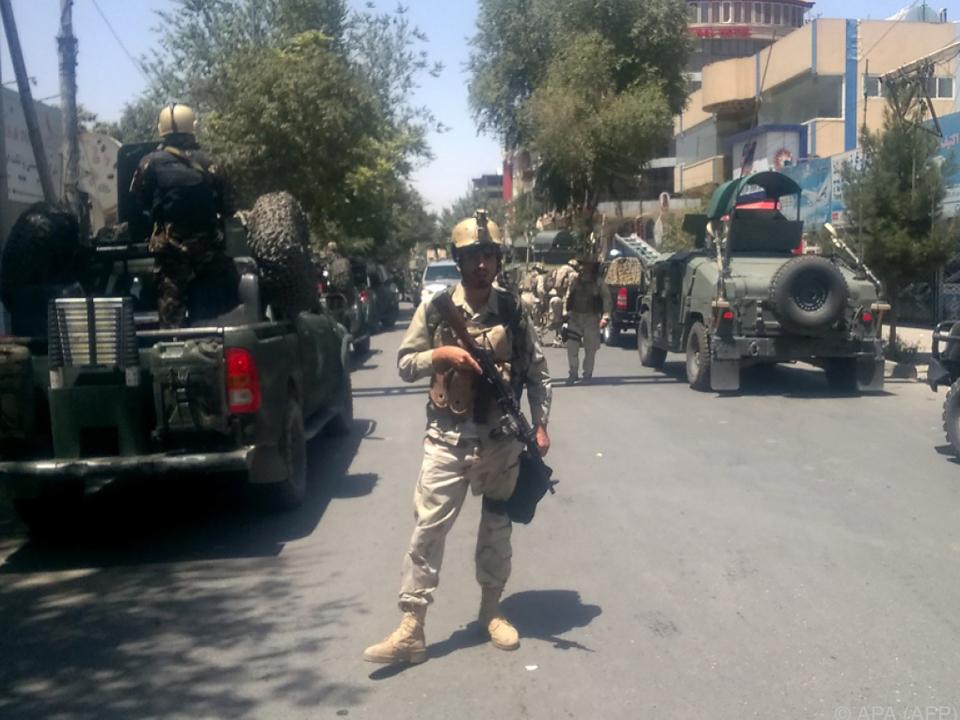 Sicherheitskräfte berichteten von einer Explosion und Schüssen