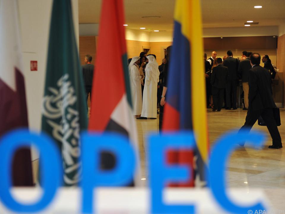 Steigende Exporte der OPEC-Länder führten zu Preisverfall