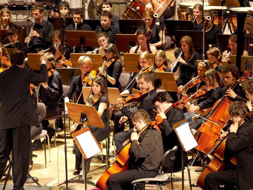 musik orchester jugend Die künstlerische Leitung des Jugendsinfonieorchesters Südtirol für die Arbeitsjahre 2017/2018 bis 2020/2021 wurde ausgeschrieben.