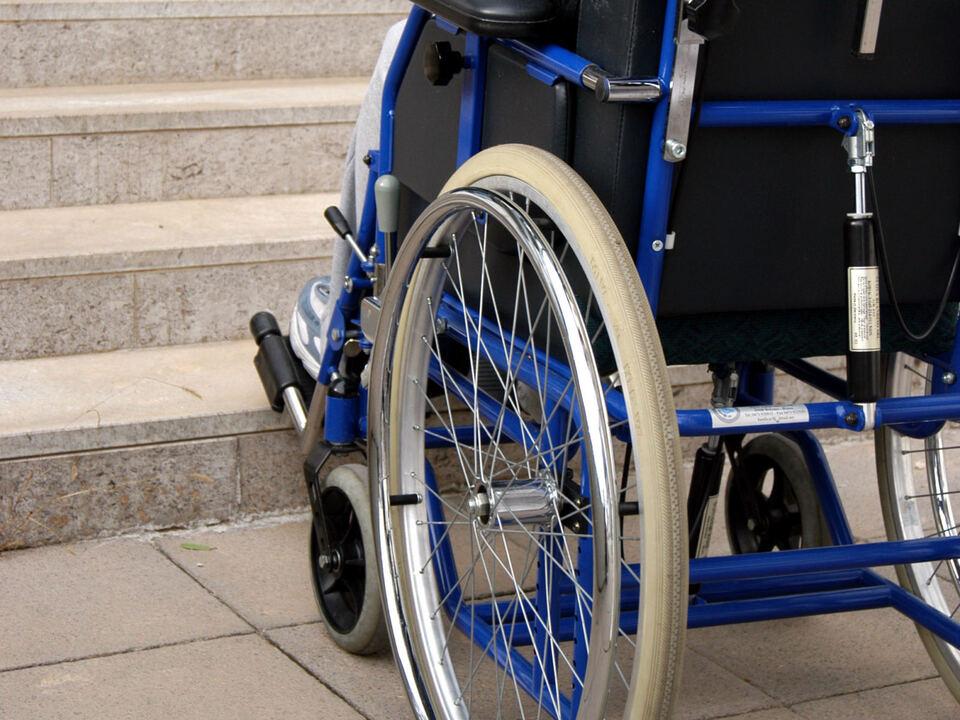 Architektonisch Barrieren Rollstuhl