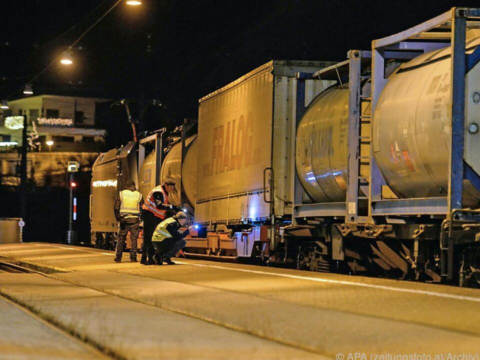 Das Bundesheer soll bei der Kontrolle von Güterzügen helfen brenner