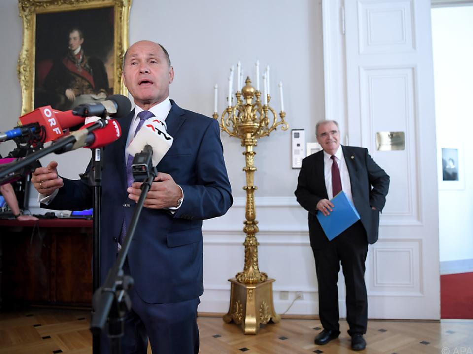 Die beiden Minister haben das Sicherheitspaket nochmals entschärft