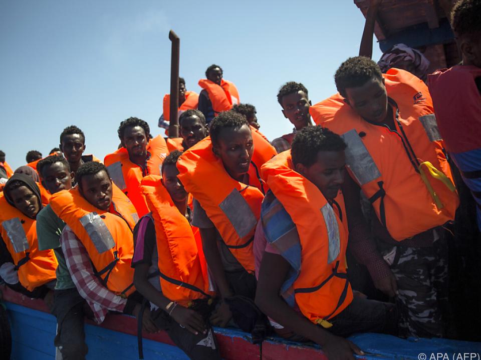 Die meisten Migranten kommen derzeit über Libyen