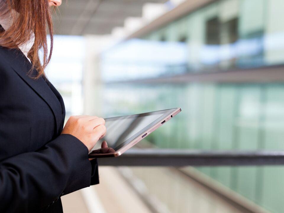 Geschäft Wirtschaft Frau Tablet digital