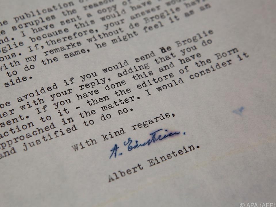Ein Autogramm von Albert Einstein