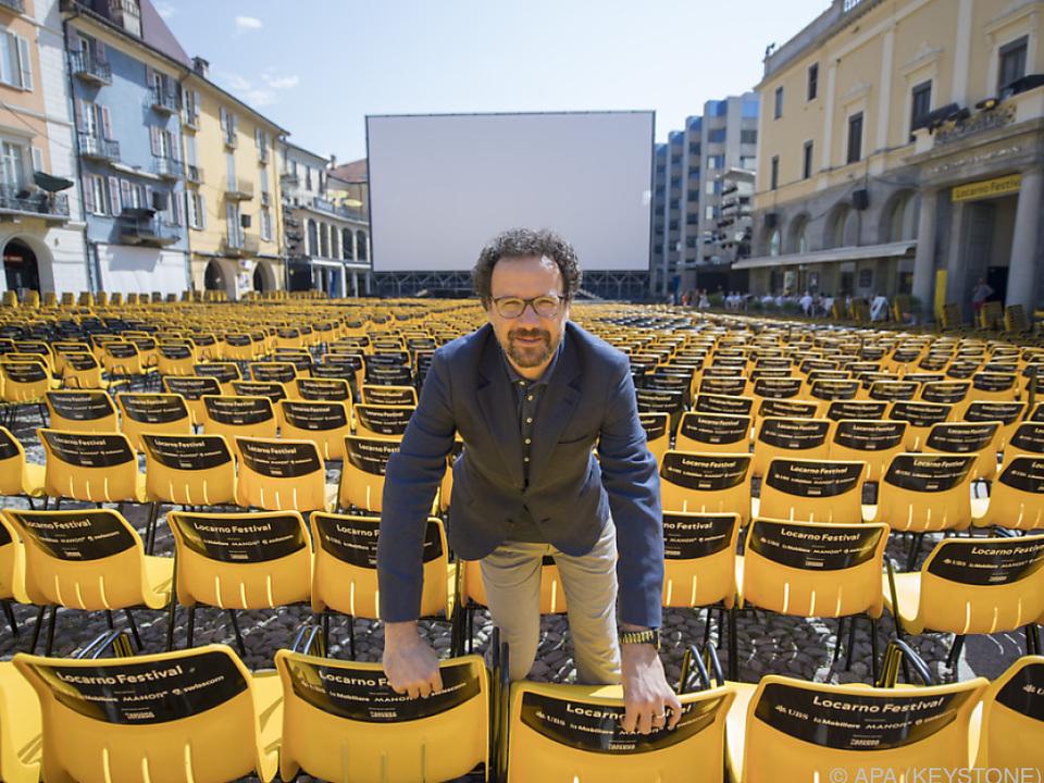 Festivalleiter Carlo Chatrian auf der Piazza Grande
