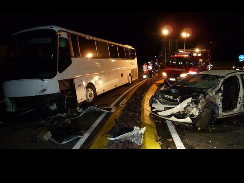 ff-auer Bus Pkw
