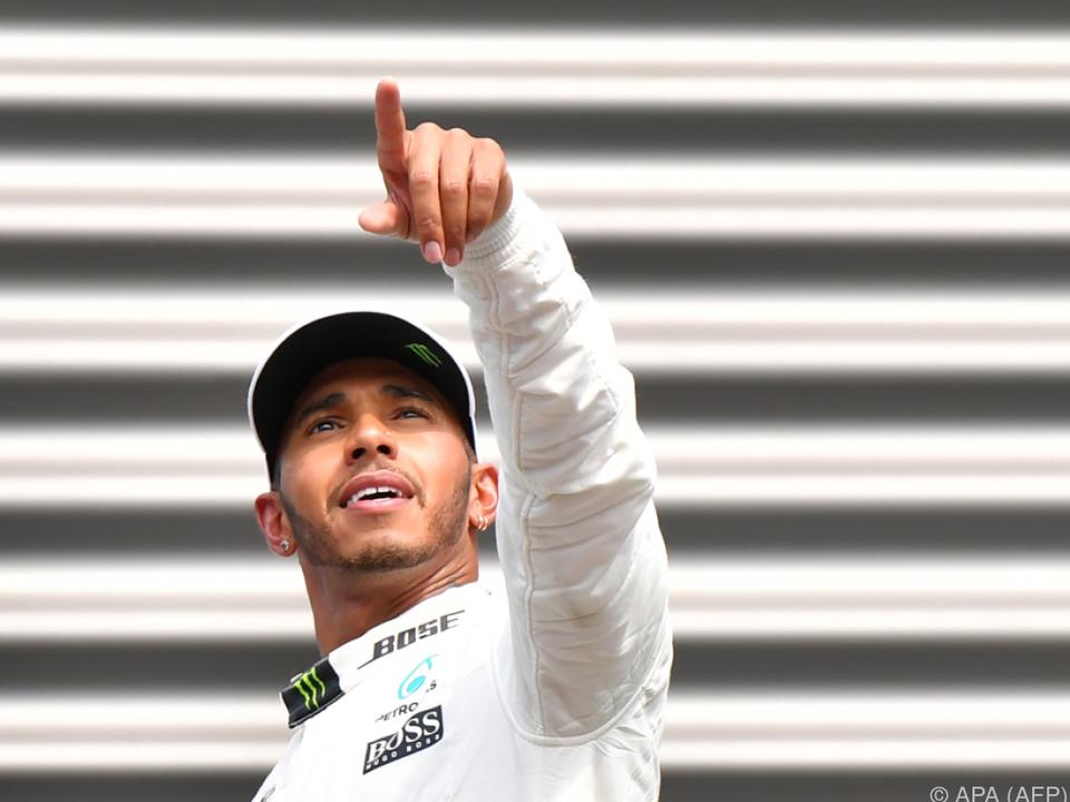Hamilton will weiter für Mercedes siegen