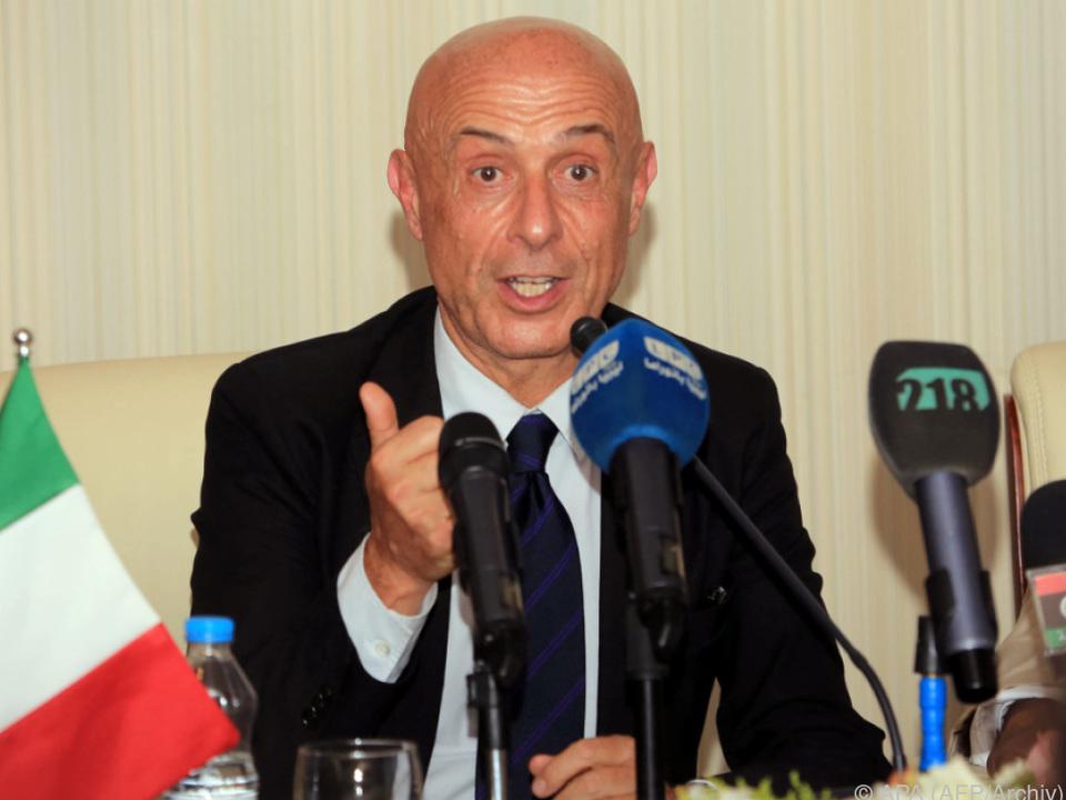 Innenminister Minniti will harte Linie