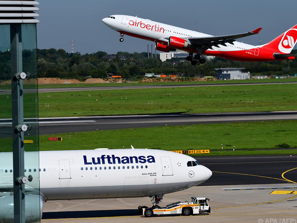 Unternehmer Wöhrl bietet vorerst nicht für Air Berlin