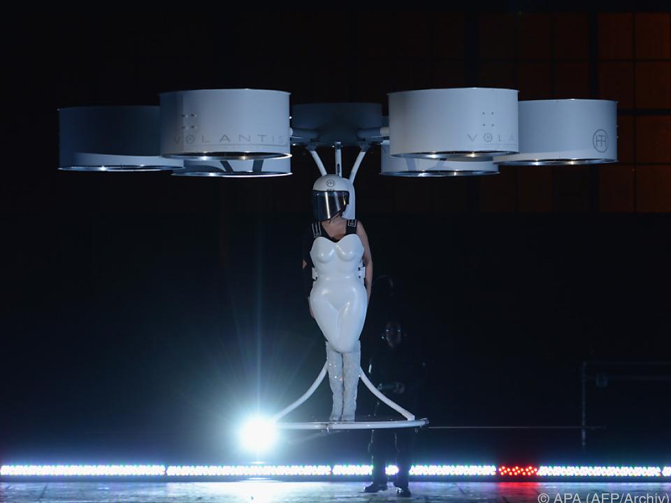 Lady Gaga hob ab