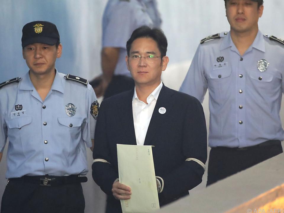 Lee ist in Korruptionsaffäre verwickelt