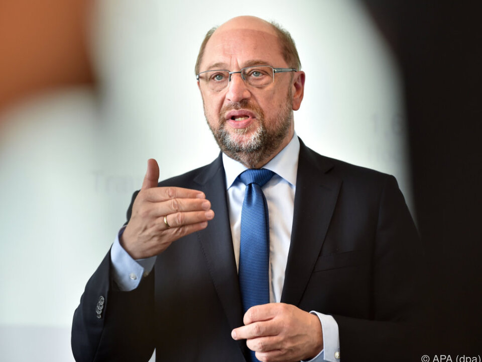 Martin Schulz nimmt die Autobauer ins Visier