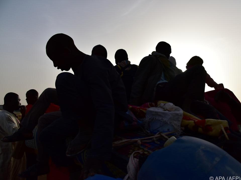 Menschenschmuggler nutzen immer riskantere Routen flüchtling sym