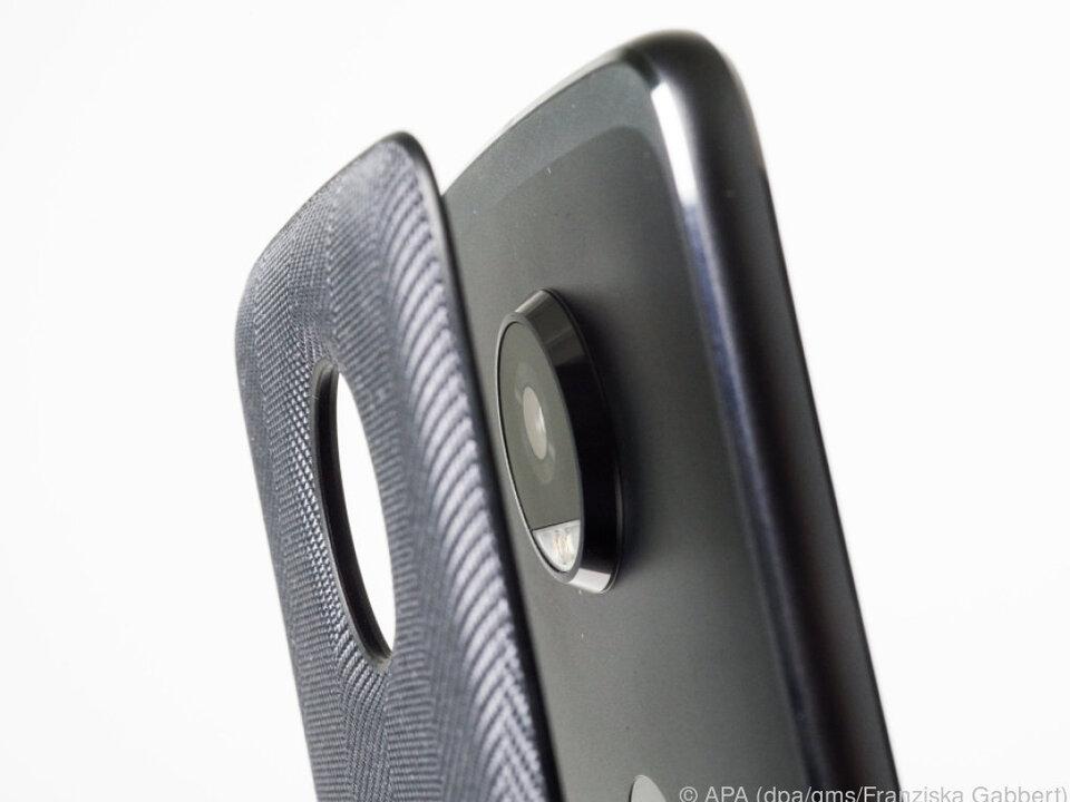 Moto Mods heißen die Ansteckmodule für Motorolas Smartphones der Z-Reihe