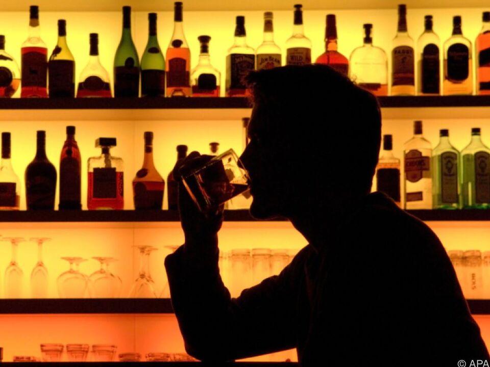 Nach dem Gläschen zu viel reicht die Abmeldung per SMS alkohol sym