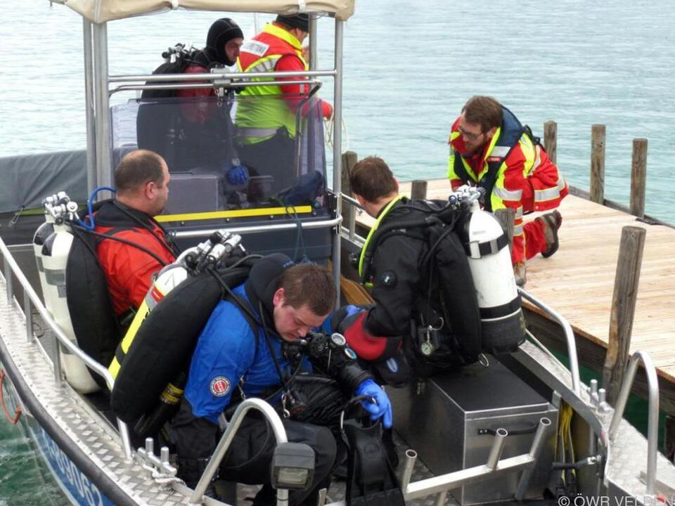 Rettungskräfte im Einsatz vor Ort