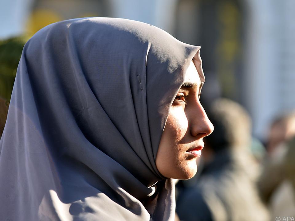 Rund 700.000 Menschen bekennen sich in Österreich zum Islam   muslim islam kopftuch