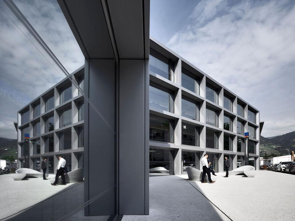 Volksbank Hauptsitz-oskardariz_2015_35