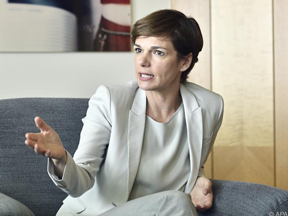 Strategie der Gesundheitsministerin zur Stärkung der Hausärzte