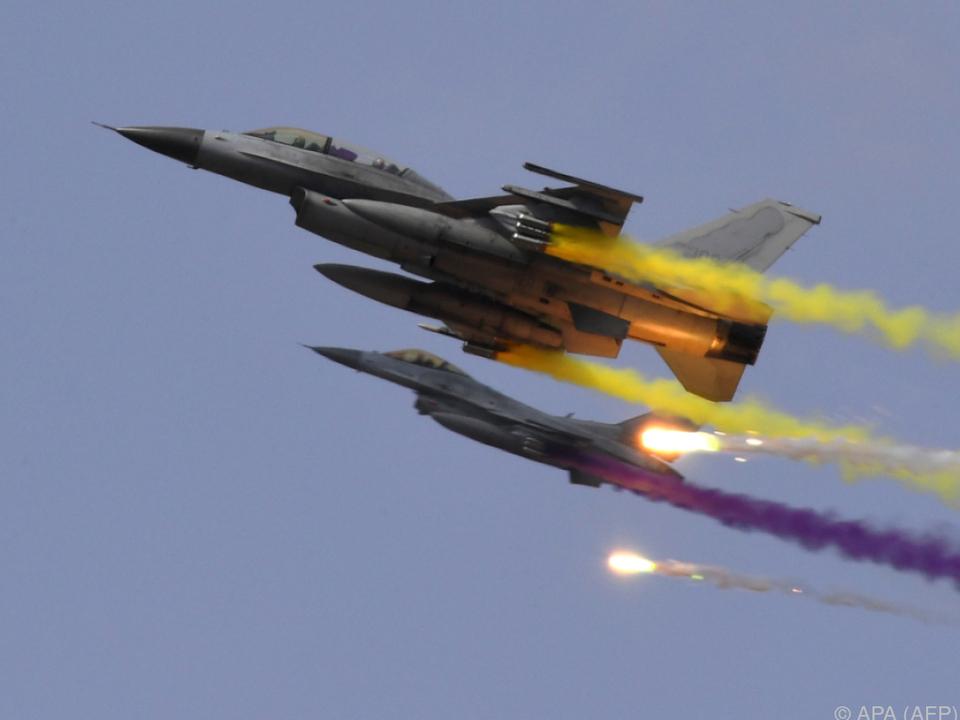 Südkoreanische Militärjets bei einer Übung