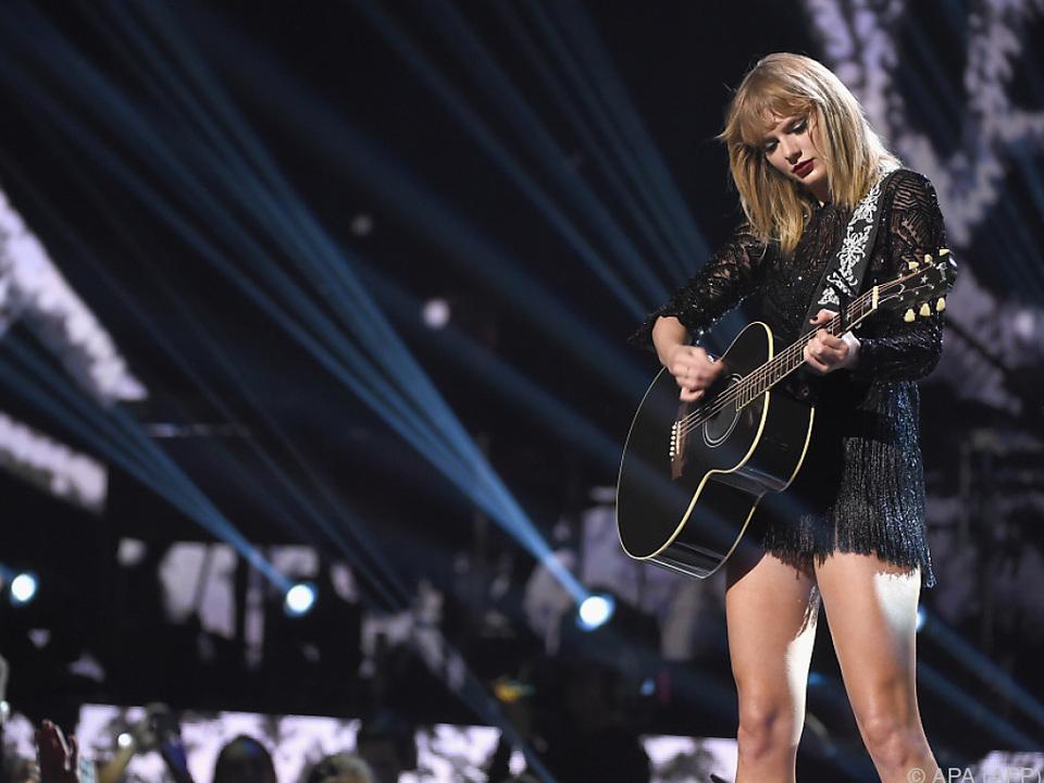 Swift meldet sich mit einem düsteren Lied zurück