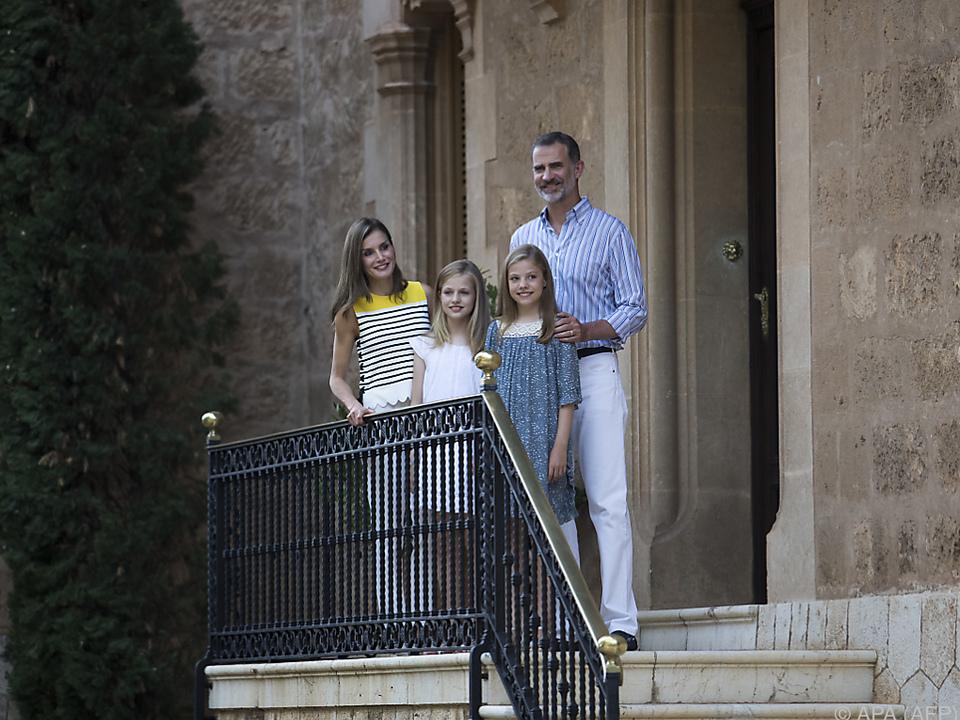 Traditionelles Familienfoto der spanischen Royals
