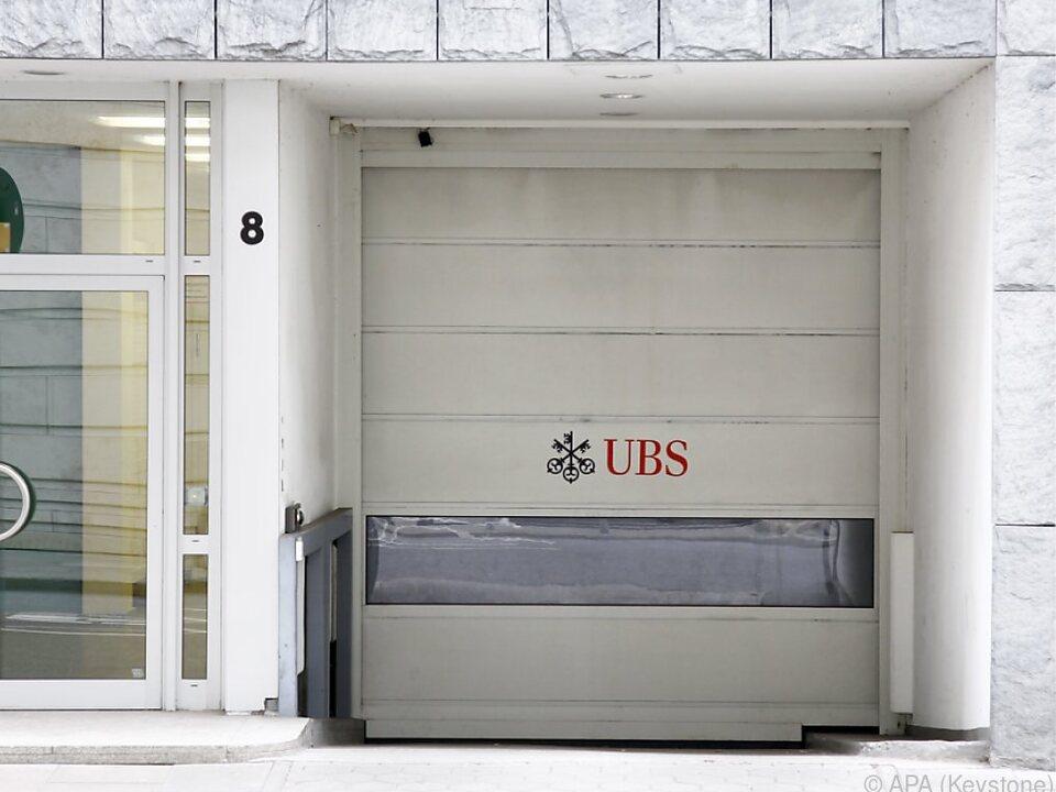130 Ermittler durchsuchen UBS-Standorte