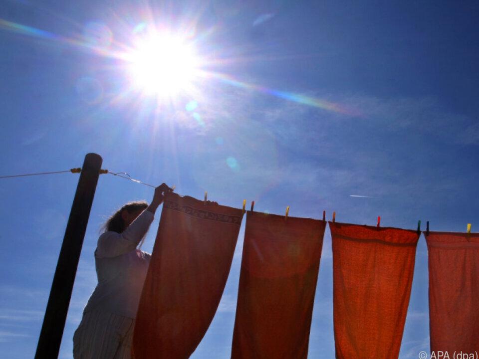 Ablenkung ist häufigste Unfallursache haushalt wasche wäsche sonne frühling sommer wäscheleine