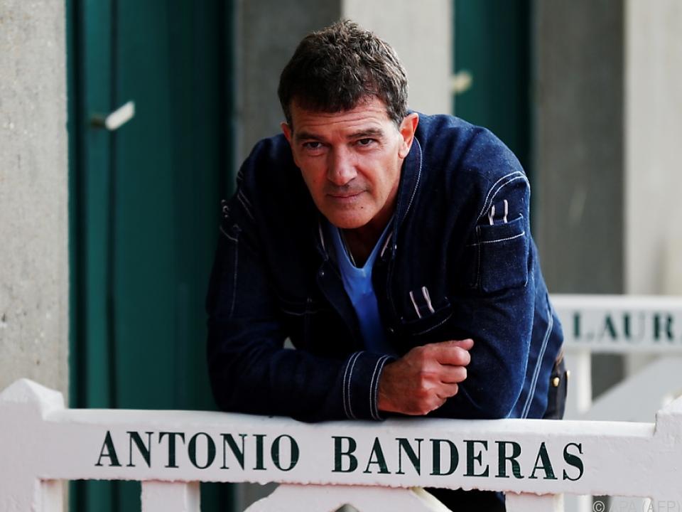 Banderas ist in dem Film als Musiklehrer zu sehen
