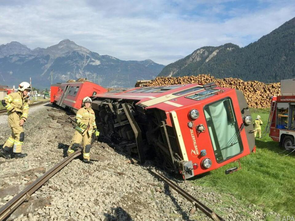 Betroffen war eine Zuggarnitur mit drei Waggons