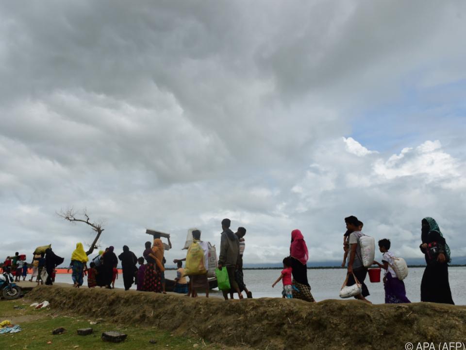 Bisher flohen rund 400.000 Menschen vor den Unruhen