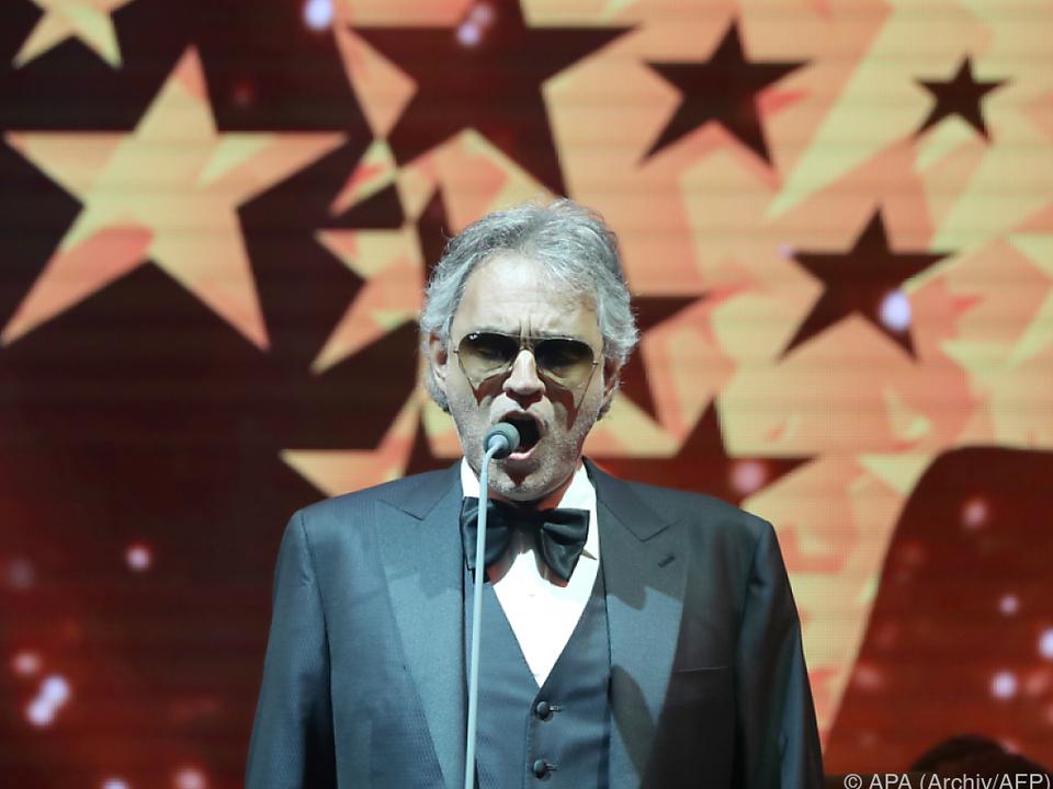 Bocelli nimmt sich an Pavarotti ein Beispiel