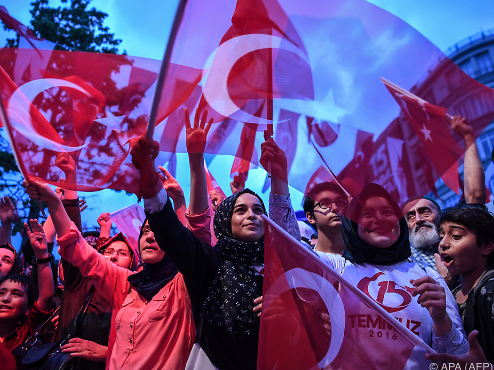 Das Land am Bosporus bewegt sich Richtung islamische Theokratie