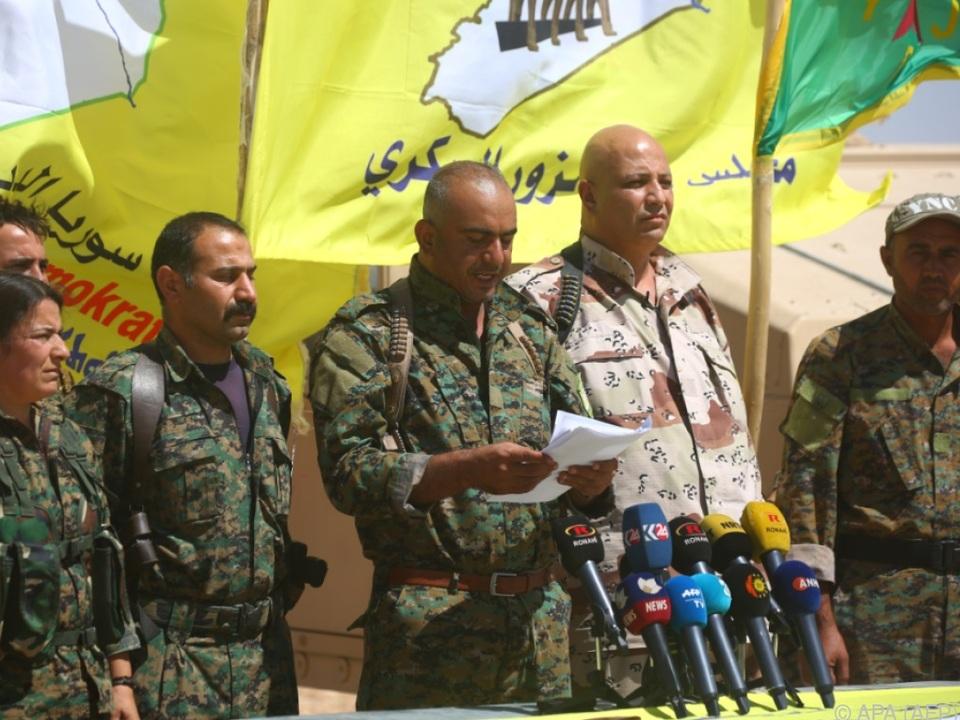 Der Chef des Militärrates von Deir al-Zor verkündet die Offensive
