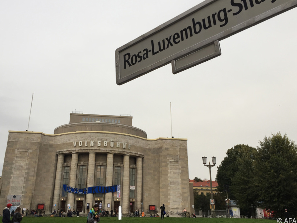 Die besetzte Volksbühne steht vor der Räumung
